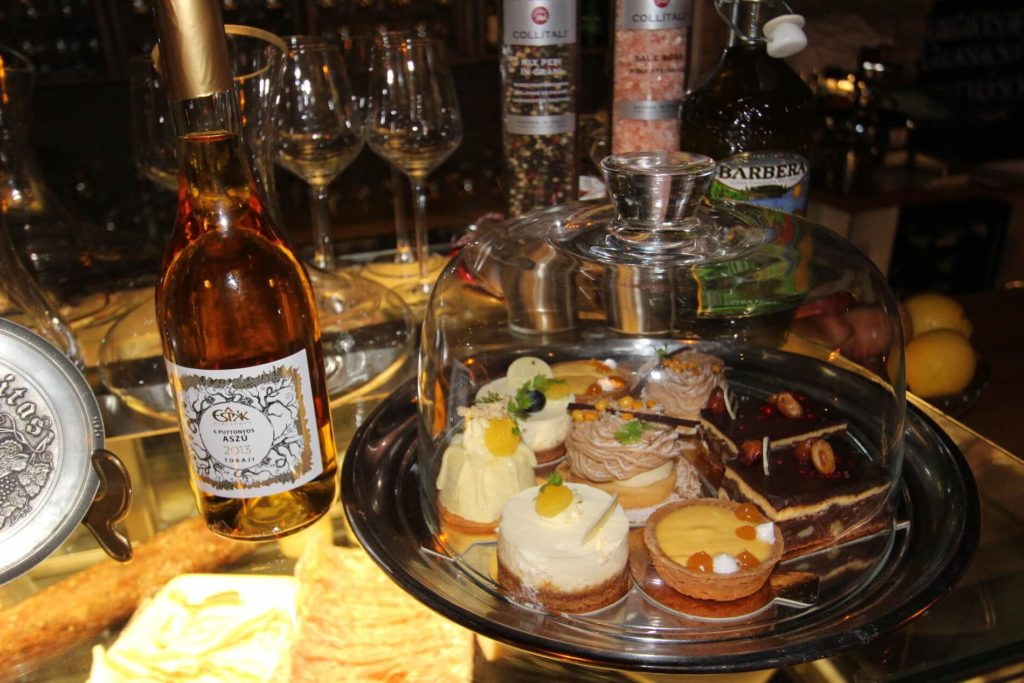 Photo: Desserts and Dessert wines at Noble Rot Wine Bar
